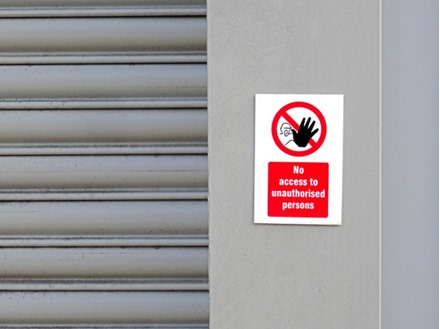 No Access to Unauthorised Persons Sign (Safety Symbol & Text)